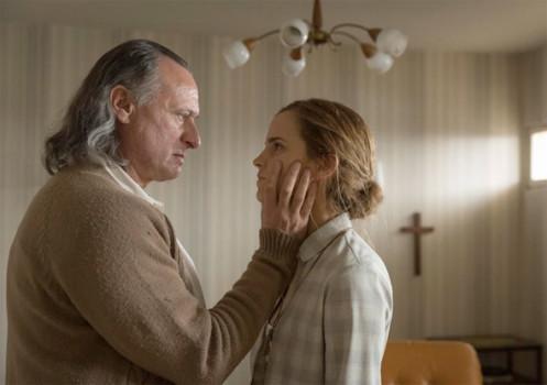 Primeira imagem para o novo filme de Emma Watson