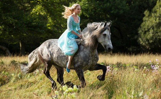 Amanhã tem trailer de Cinderella! Por enquanto, tem teaser <3