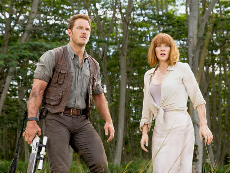 1433884303_chris-pratt-bryce-dallas-howard-jurassic-world-zoom