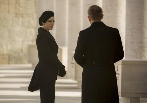 007 apresenta suas Bond Girls