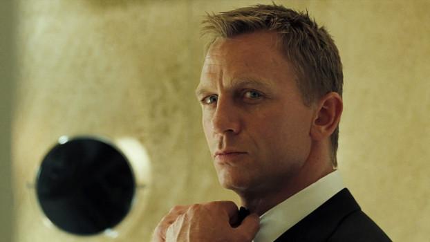 cine adaptação: Cassino Royale: A Invenção (e Reinvenção) do 007