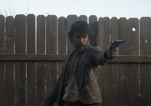 Tem Rodrigo Santoro nas novas fotos de Jane Got a Gun