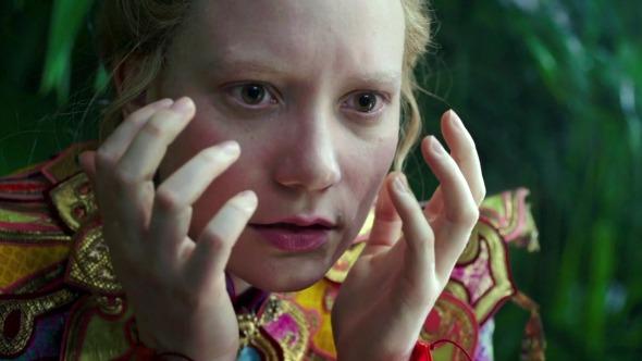 Alan Rickman narra novos comerciais de Alice Através do Espelho