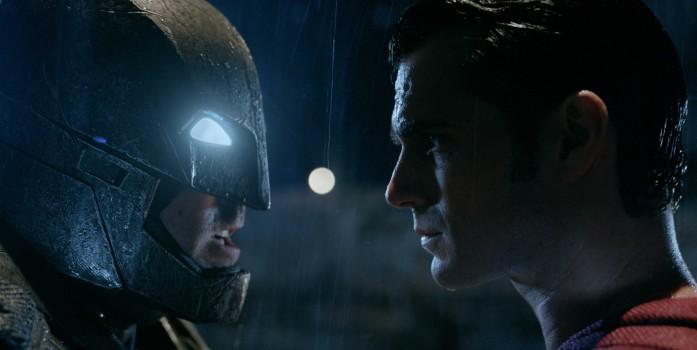 Trailer feito para o mercado japonês traz cenas inéditas em Batman Vs Superman!