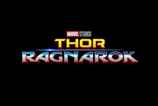 Viaje no tempo com o logo de Thor: Ragnarok