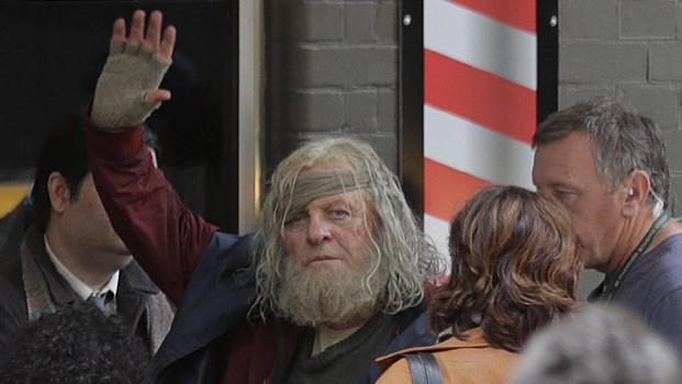 Anthony Hopkins aparece em versão mendigo nas gravações de Thor: Ragnarok