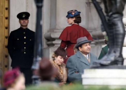 Nova imagem mostra as versões adultas de crianças de Mary Poppins