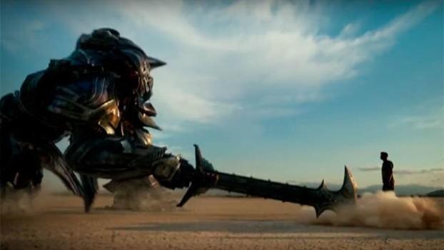 Transformers: O Último Cavaleiro ganha vídeo com voz de Anthony Hopkins