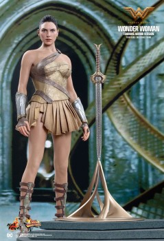 20170602hot-toys-wonder-woman-training-armor-version-collectible-action-figure-01